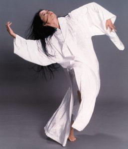 Nai-Ni Chen dancing